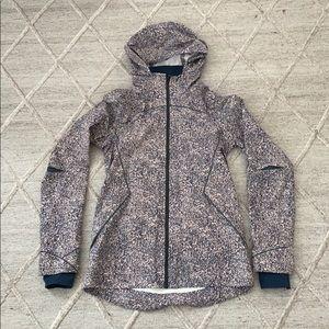 Lululemon Size 4 Runaway Jacket in PPAL